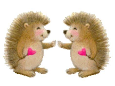 love gif wallpaper com hedgehog and porcupine animated graphics animate it