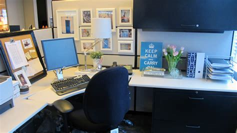 How To Decorate Your Office Desk Ask How Do I Live Simply In A Cubicle Live Simply By