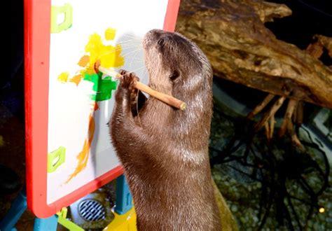 painting of zoo animals dubai aquarium run great otter exhibition what s on