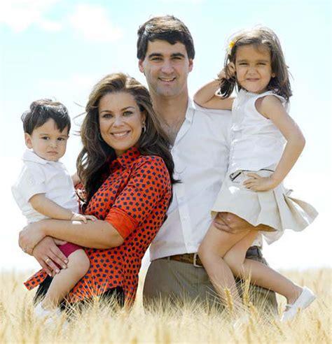 madre con hijo en hotel xxxxxx jesul 237 n de ubrique y mar 237 a jos 233 canario celebran el