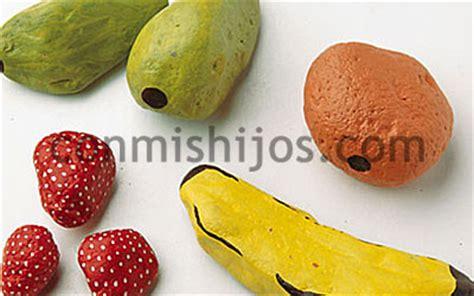 frutas con material reciclaje cocofrutero manualidad infantil con piedras para reciclar