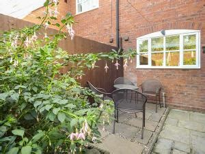 Self Catering Cottages Hshire by Cheshire Self Catering Cottage 4 Aldelyme Court Nantwich