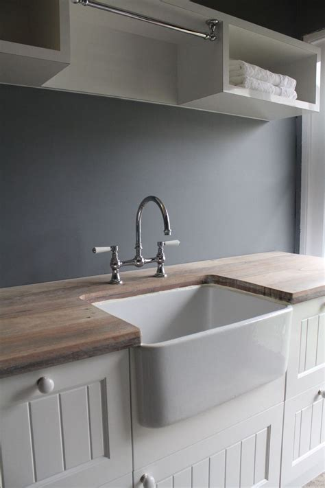 Sink In Laundry Room Best 25 Laundry Sinks Ideas On Laundry Room Sink Cottage Style Mudroom And Cottage