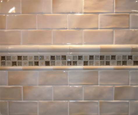beige subway tile bathroom subway tile beige home ideas pinterest