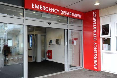 reading hospital emergency room frimley park hospital a e is only for emergency get reading