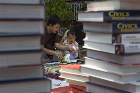 Buku Bacaan 1 70 perpustakaan daerah dapat donasi buku dari dompet
