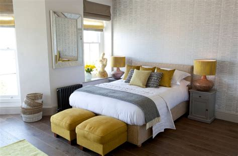 Grey Yellow Bedroom by Yellow And Gray Bedding That Will Make Your Bedroom Pop