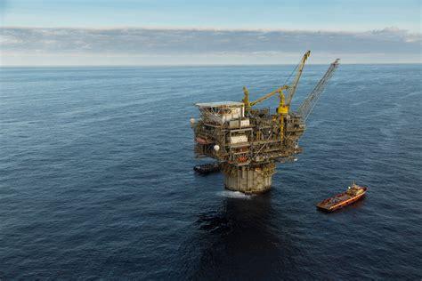 Anadarko Petroleum Mba Internship by Heidelberg Topsides Lifted And Gas News