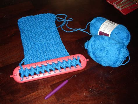 knitting loom knitting gallery