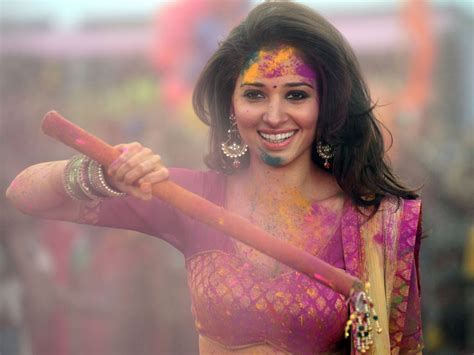 holi special girl image what clothes to wear on holi holi festival dress code