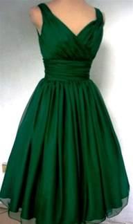 25 best ideas about emerald green dresses on pinterest