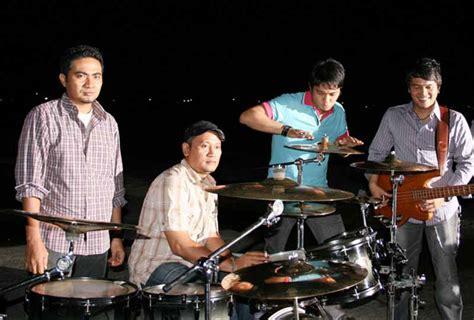 download mp3 ada band langit tujuh bidadari my world april 2010