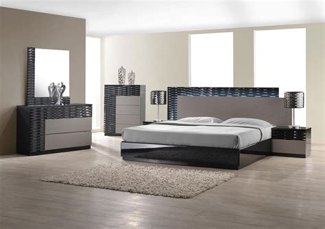 Modern Bedroom Set With Led Lighting System Modern Modern Furniture Set