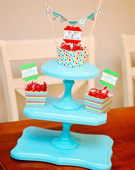diy cupcake holder diy cupcake stand using wooden plaques and candlesticks so