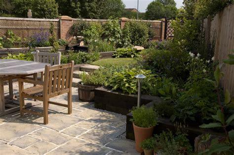 Triangle Garden Ideas Garden Designer In St Albans Herts 01707 707557 Local Landscaper