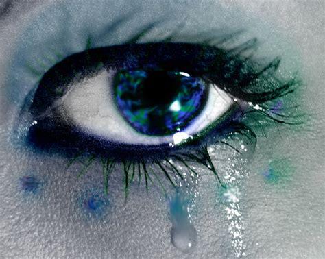 imagenes ojos llorando sangre ojos llorando buscar con google ojos llorando