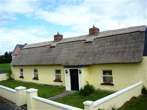 renting a cottage in ireland traditional cottage vrbo