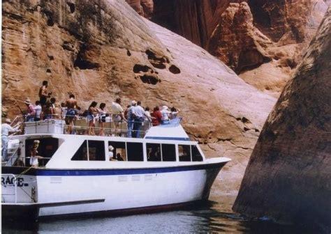 lake powell boat tours wahweap canyon princess yacht style tour boat dinner cruise