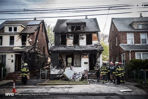 new york house 5 dead including 3 children in new york city house fire