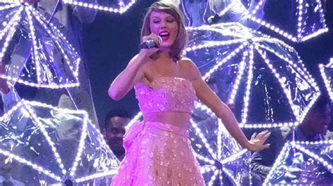 taylor swift concert wristbands 2018 wait coldplay spent how much for concert wristbands