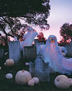 Halloween Yard Decor Ideas 10 Creepy Outdoor Halloween Decorating Ideas Shelterness