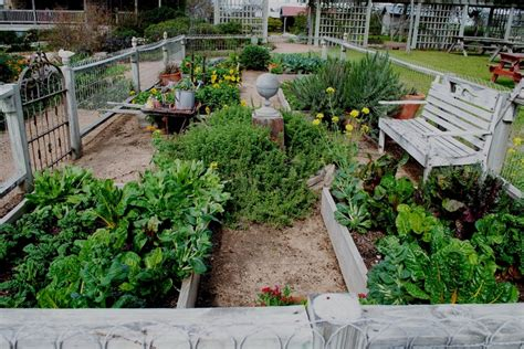 Gorgeous Small Space Vegetable Garden One Day I Will Small Space Vegetable Garden