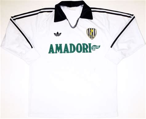 Juventus Home Ls 1 20 great italian soccer jerseys from the 1990s soccer