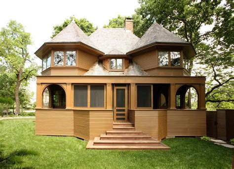 3 frank lloyd wright houses you can buy right now photos frank lloyd wright s 122 year old robert emmond house for sale