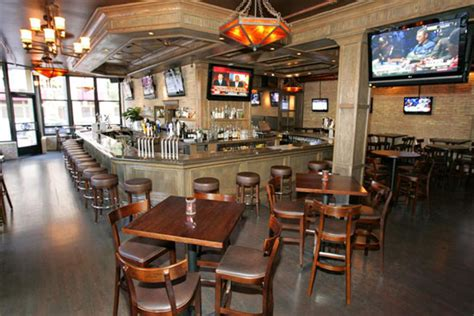 top sports bars in chicago top 10 sports bars in chicago