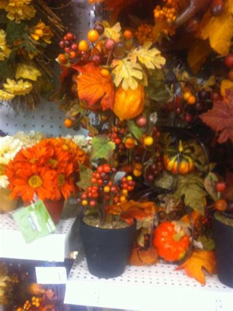 Fall And Thanksgiving Decorations - creative fall crafts autumn leaves tree for thanksgiving decorating