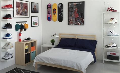 the ideal bedroom how cool is this the ideal sneakerhead bedroom yomzansi