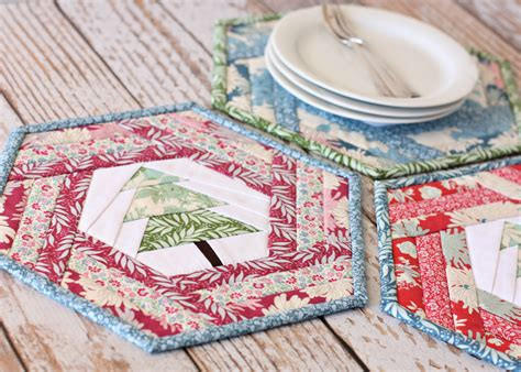 pattern christmas placemats hexie holiday placemat a spoonful of sugar