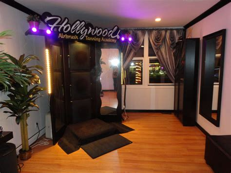 tan rooms hollywood airbrush tanning academy reveals video on the