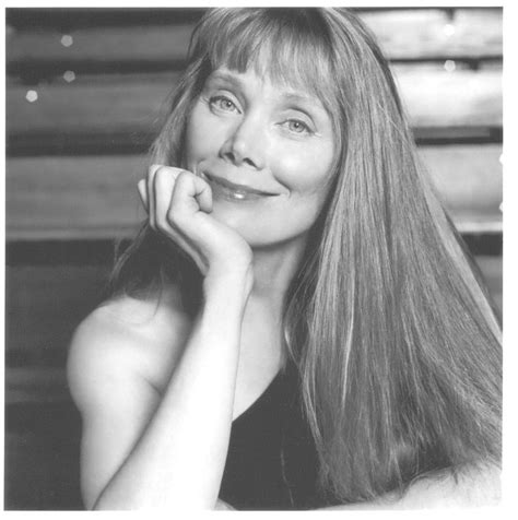 why does sissy spaceck wear bangs born the sissy way born the sissy way sissy spacek