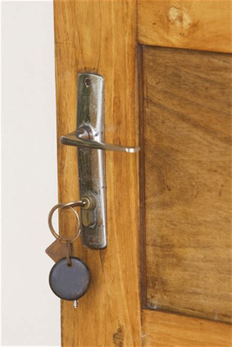 Front Door Key And Alarms Tips For Tulsa Home Sellers To Get Their Home Shown