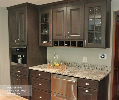 Open Kitchen Design with Dry Bar Area   MasterBrand