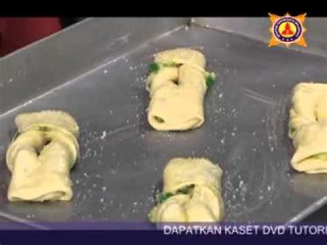 cara membuat garlic bread youtube pelatihan cara membuat vla mixpeel bread akpar majapahit