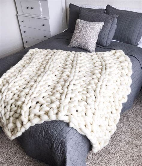 knitting blankets 17 best ideas about cable knit blankets on