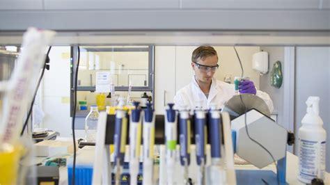 biomedical engineers    move