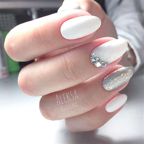 Oval Acrylic Nail Designs
