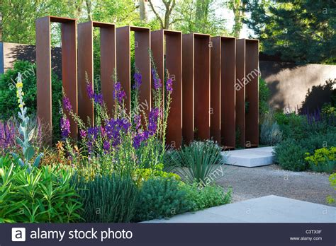 Ordinary Home And Garden Show Orlando #1: Corten-steel-screen-structure-in-the-daily-telegraph-garden-at-rhs-C3TX0F.jpg