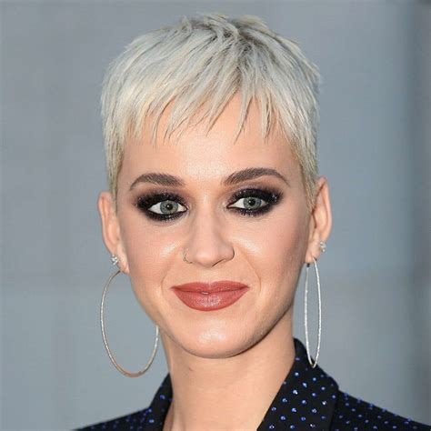short hair cut pictures for hairstylist the best celebrity pixie hair cuts and crops stylist