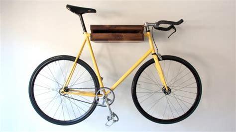 fahrradhalter garage fahrradhalter aus holz an na haus und gartenblog