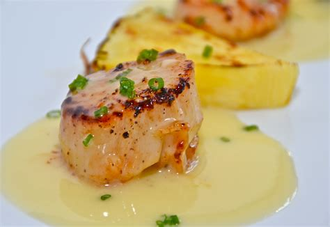beurre blanc seared scallops with pineapple beurre blanc sauce
