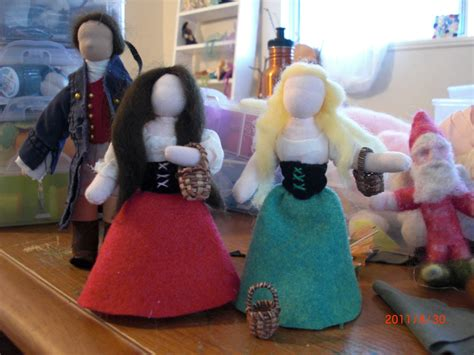 The Handmade Show - preparation of snow white and puppet show