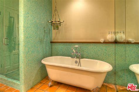 salma hayek bathroom rent salma hayek s hollywood hills hideaway trulia s