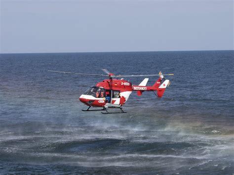 baumarkt sassnitz ein adac flugrettungshubschrauber im rettungseinsatz