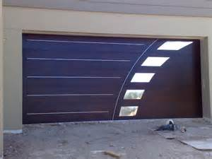 Garage Door Designs Modern Details To Bring Emphasis To Your Garage Freshome Com