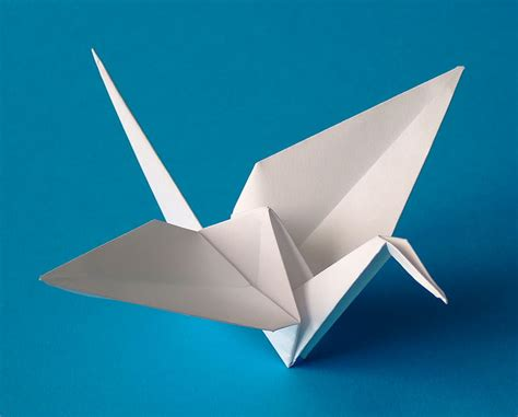 Origami Crane Legend - hopeful peacemaker 1000 crane club anger management
