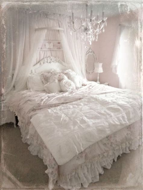 Shabby Chic Headboard Ideas by 25 Best Ideas About Lace Bedroom On Lace